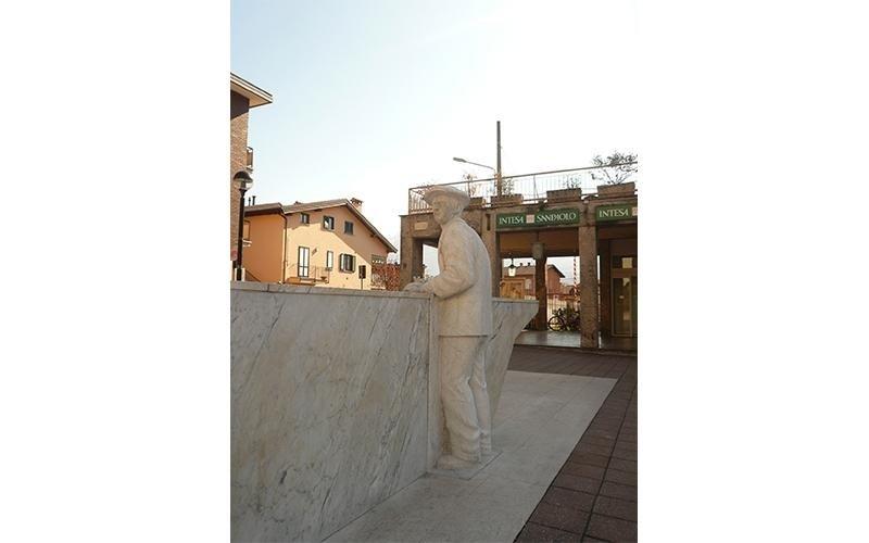 Realizzazione sculture e monumenti