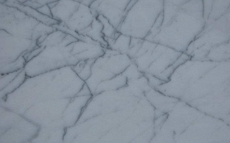 Bianco Statuarietto