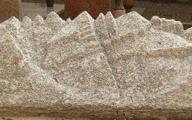 Sculture in marmo e granito
