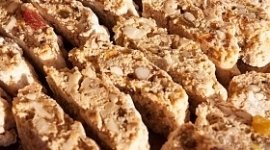 pan forte, cantucci, dolci alle mandorle