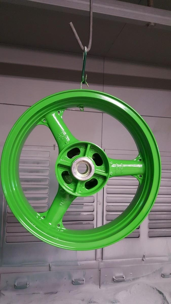 Verniciatura cerchio motorino