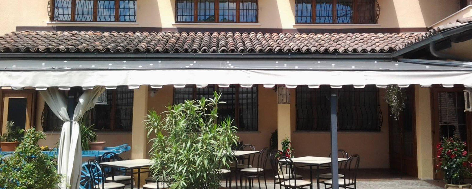 Veranda con tetto impermeabilizzato