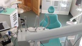 rimozione carie, otturazioni, devitalizzazione denti