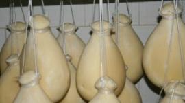 formaggi appesi, formaggi tipici, formaggi infornati