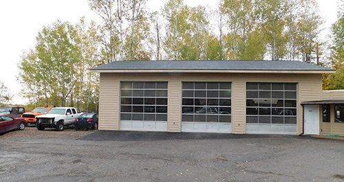 Auto repair garage