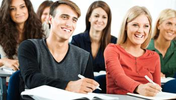 lezione, ragazzi, aula, scrivere, sorrisi