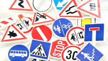 segnali stradali, studio girardi, scuola guida
