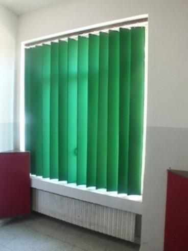 Tenda acustica per finestra installata al liceo Margherita di Savoia di Napoli