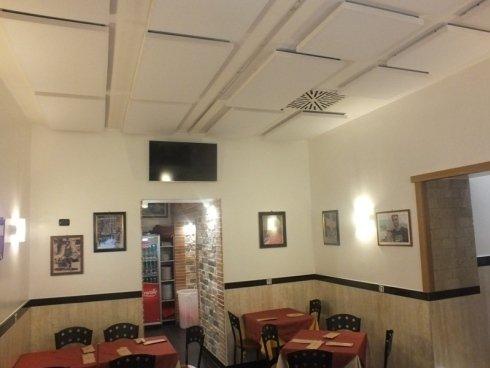Lavoro di correzione acustica locale pubblico, Napoli, Campania