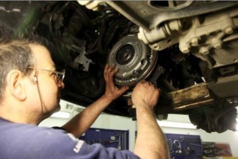 riparazione frizione autofficina Giacometti Torino