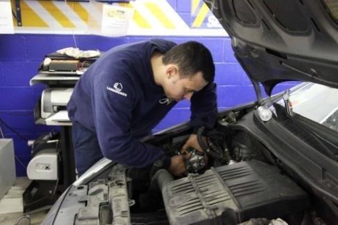 Controllo motore autofficina Giacometti Torino