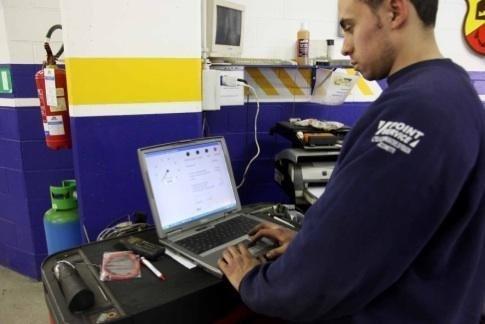 Diagnosi auto computerizzata autofficina Giacometti Torino