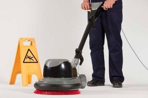 pulizie con lavapavimenti, pulizie con mezzi, pulizia pavimenti