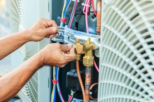 manutenzione di impianti di riscaldamento e condizionamento