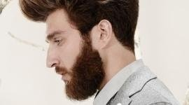 ragazzo con barba