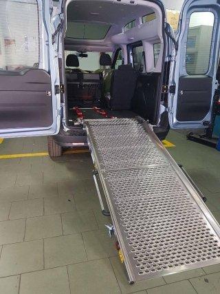 allestimento autoveicolo per disabile