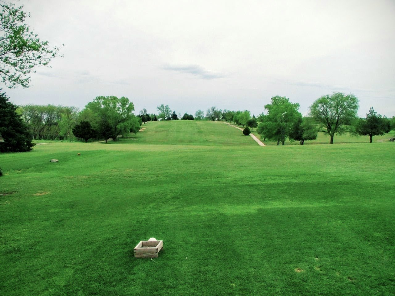 Golf Lindsborg - Hole 1 Tee-off