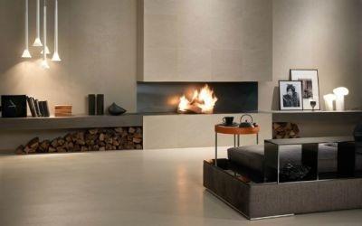 sala moderna con mobili e camino acceso