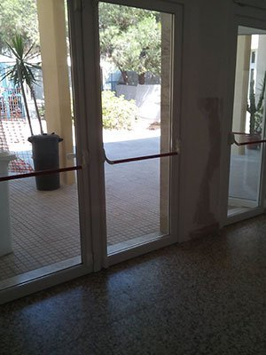 delle porte finestre d'uscita