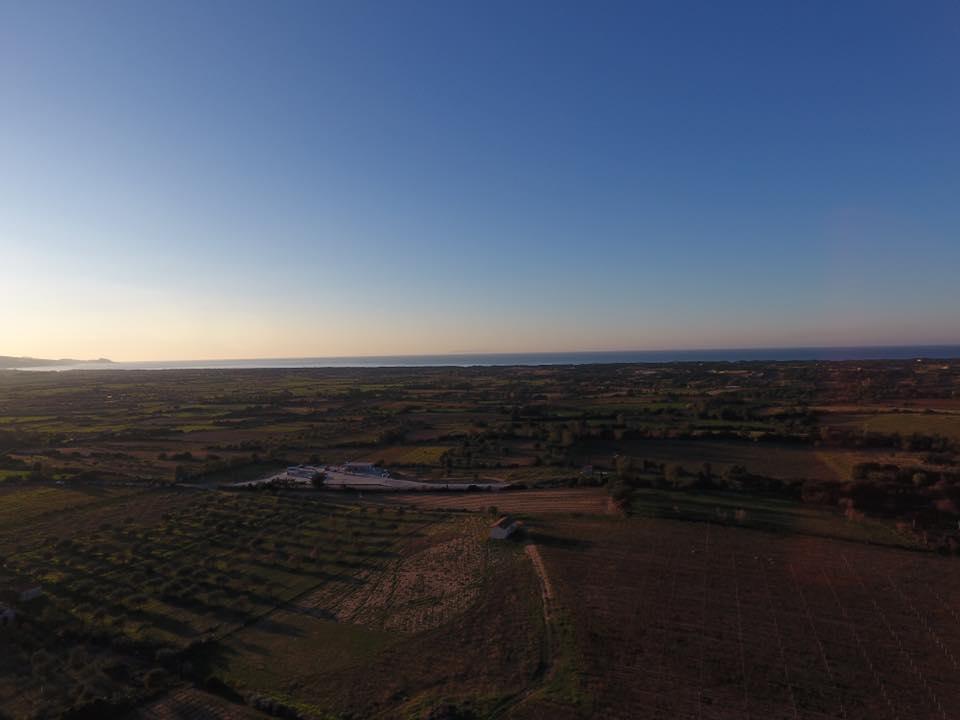 vista dall'alto di alcuni terreni