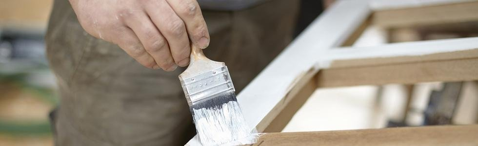 Verniciatura mobili legno Pradleves