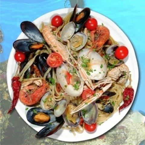 Spaghetti con pesce fresco