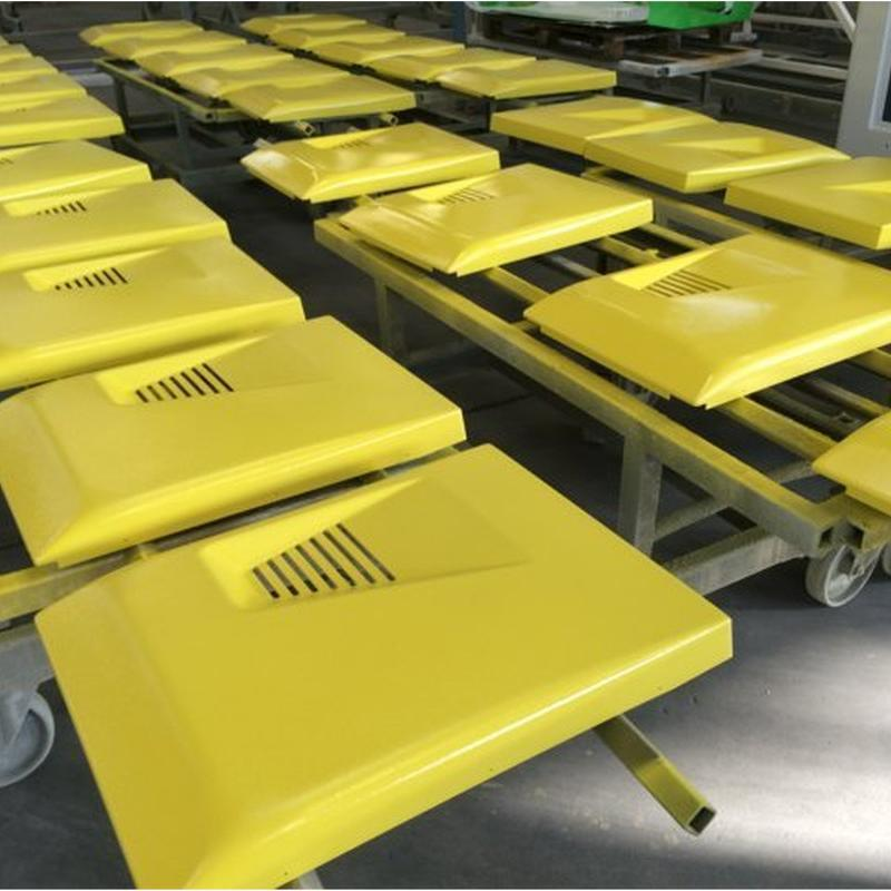 coperture verniciate di giallo