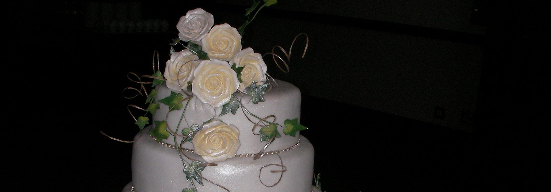 3-tiered wedding cake