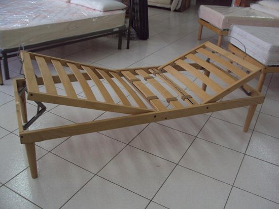 Rete pieghevole in legno a Galatone, LE