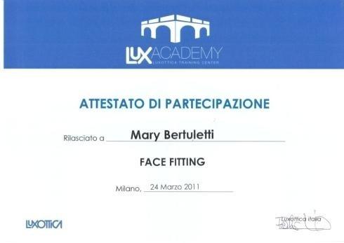 Face fitting Mary Bertuletti