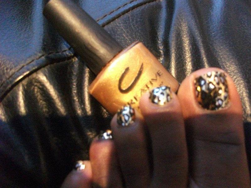 golden nail paint