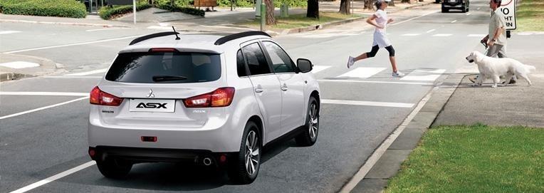 una Mitsubishi Asx in strada