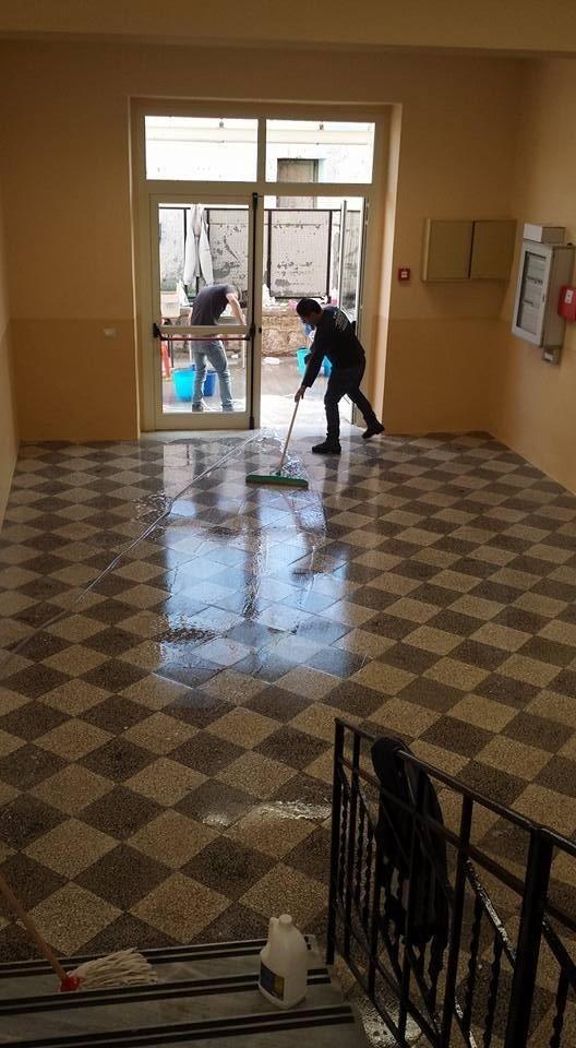 pulizia istituto scolastico