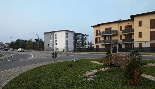 Vista delle case dalla strada