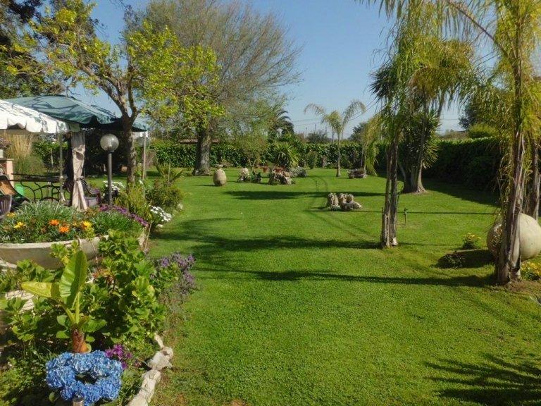 residenza per anziani con ampio giardino