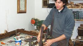 Riprese mobili antichi, Laccatura Modena, decapato
