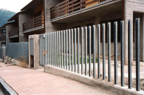 Realizzazione di recinzioni in ferro