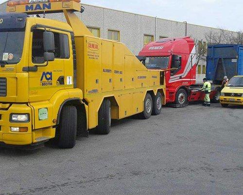 Camion per il trasporto veicoli