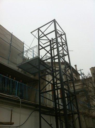 supporti metallici elevatori