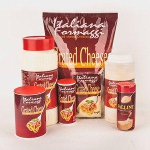 Dei confezioni di formaggio grattugiato della marca Italiana Formaggi