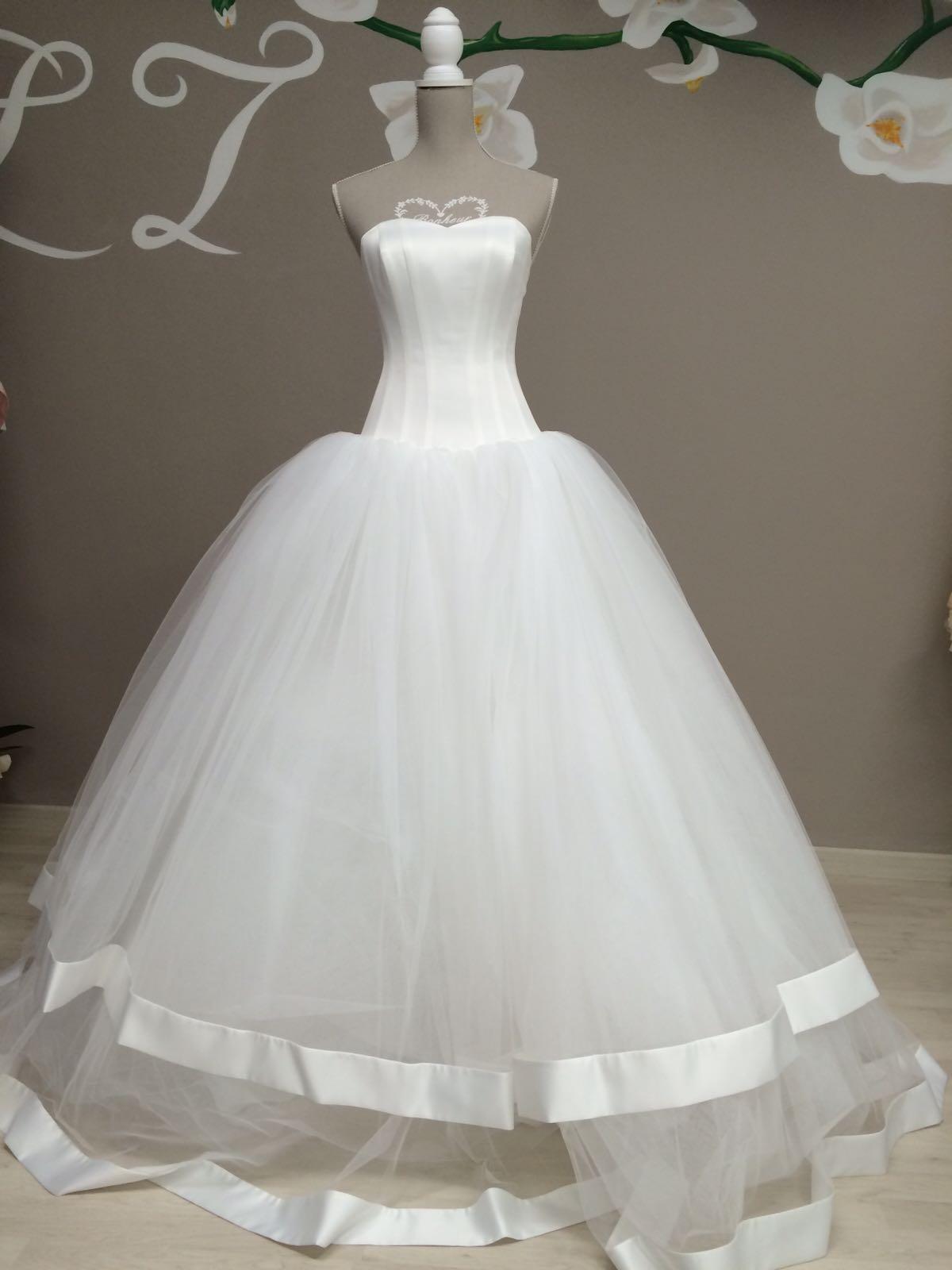 realizzazione sartoriale abito da sposa