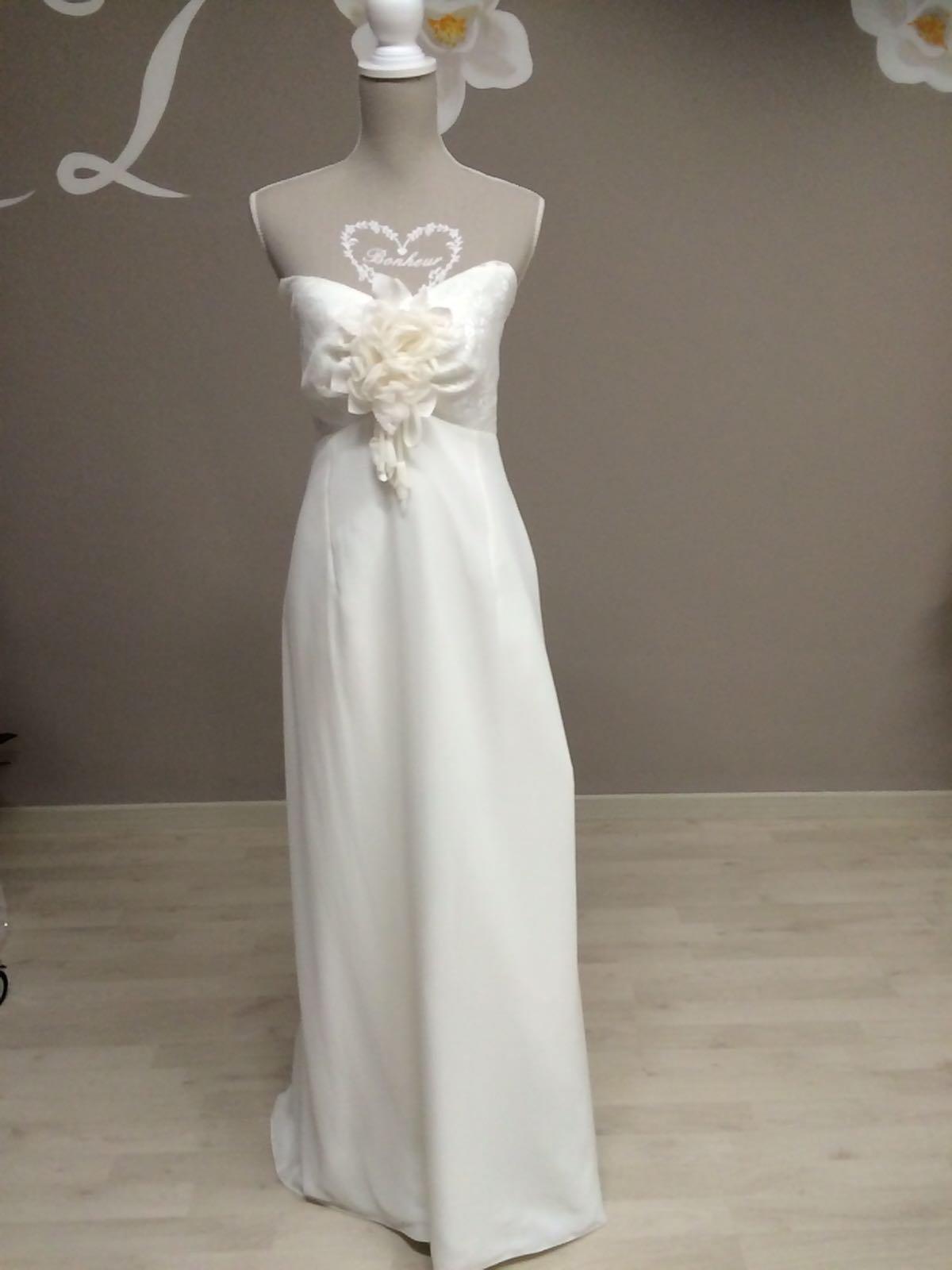 vestito da sposa romantico con cuore