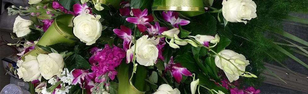 Composizione floreale per cerimonia