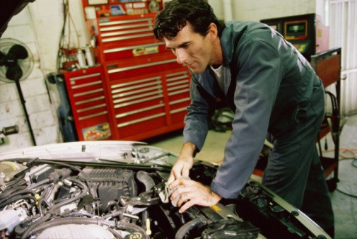radiator service, preventative automobile maintenance, auto air conditioning and heater repair, electronic diagnosis, Little Rock