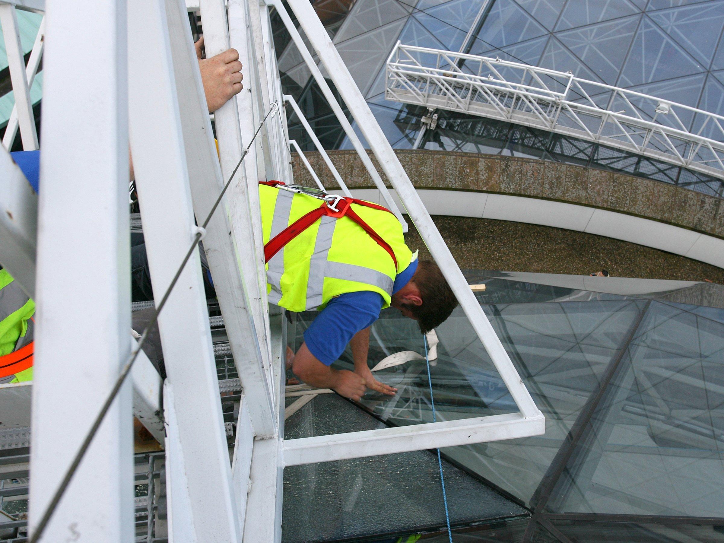 expert repairing glass