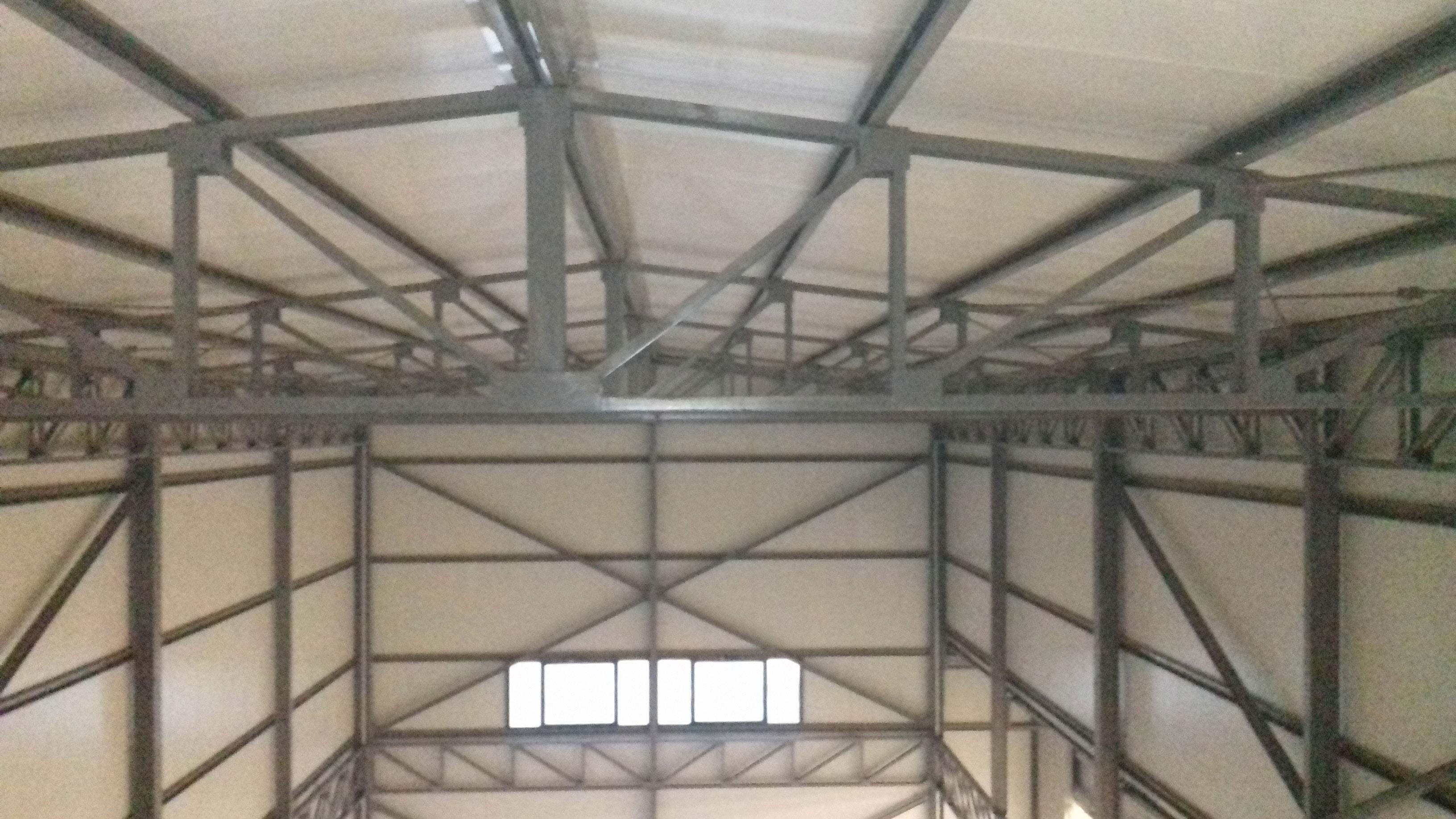 una copertura industriale, tetto, visuale ravvicinata