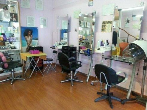 Desiderate sottoporvi ad un trattamento di pulizia viso, manicure o pedicure? Affidatevi allo staff Modacapelli.