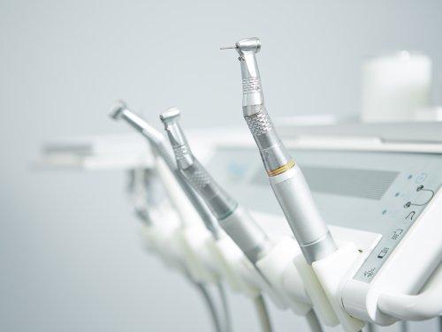 attrezzature dentistiche moderne
