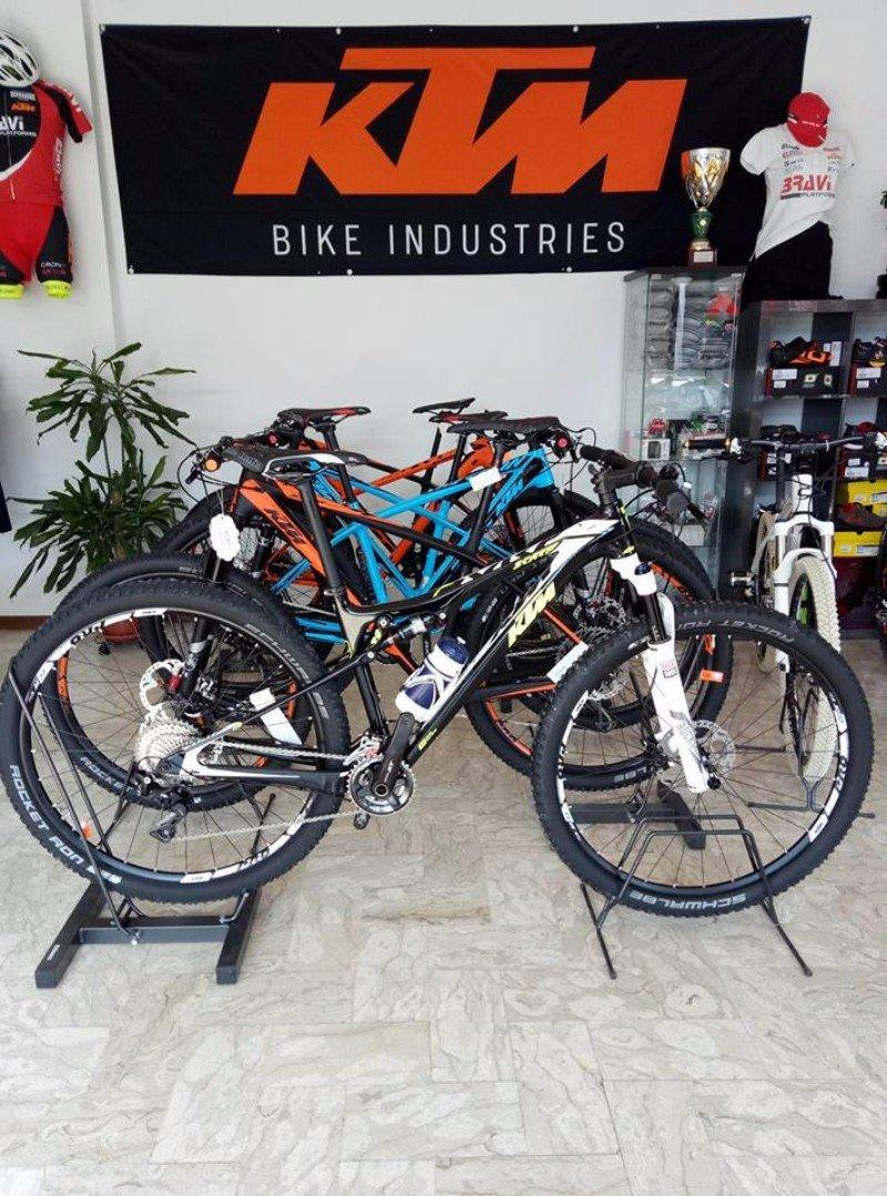 delle bici in esposizione KTM