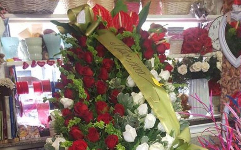 corone di fiori per lutto